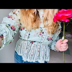 Ice blue floral vintage blouse